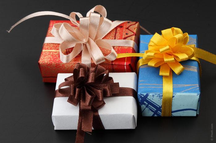 700-gifts-presents-christmas-birthday