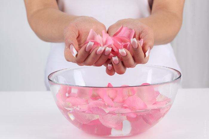 700-water-nails-manicure-hands-beauty-rose-moisturize