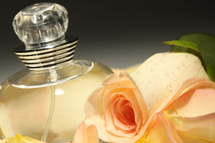 700-perfume-fragrance-smell-scent-cosmetics