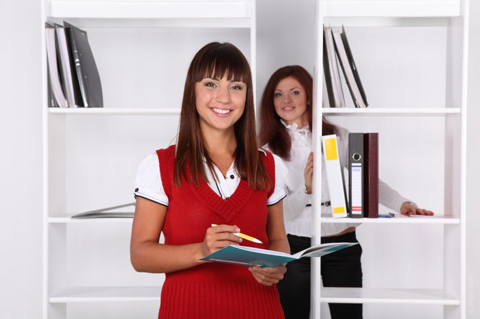 700-red-clothes-woman-office