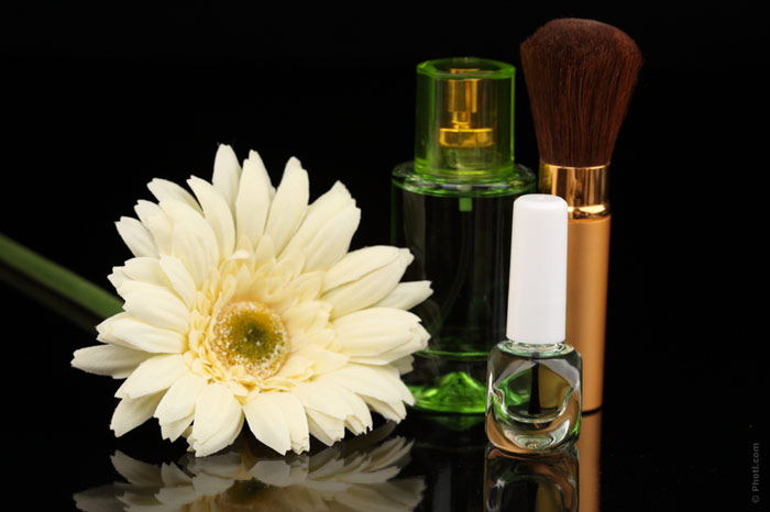 700-beauty-cosmetics-makeup-treatment-flowers