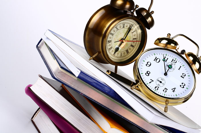 700-books-time-clock-alarm-sleep-learn-teach-read