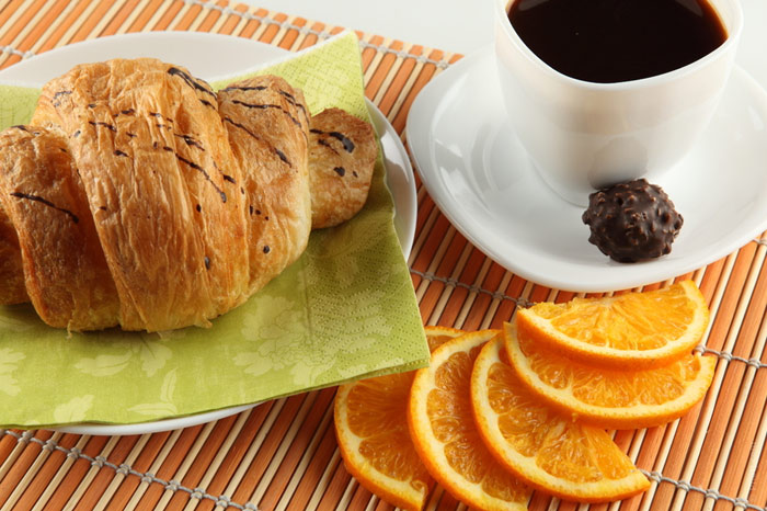 700-diet-morning-breakfast-food-eat-nutrition-fat-croisson