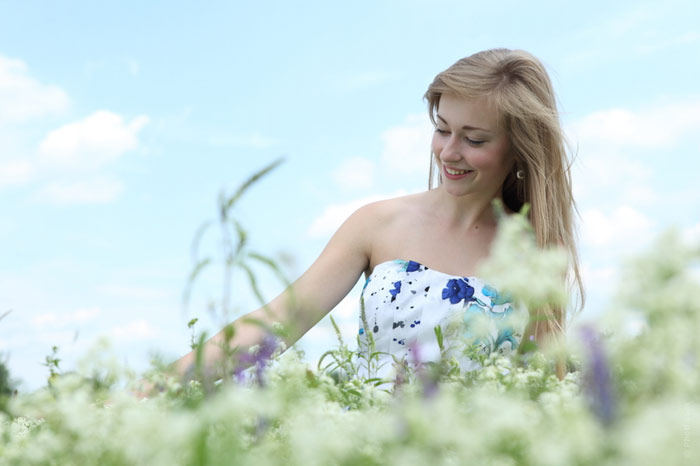 700-flower-dress-woman-beauty-field-nature-summer-spring