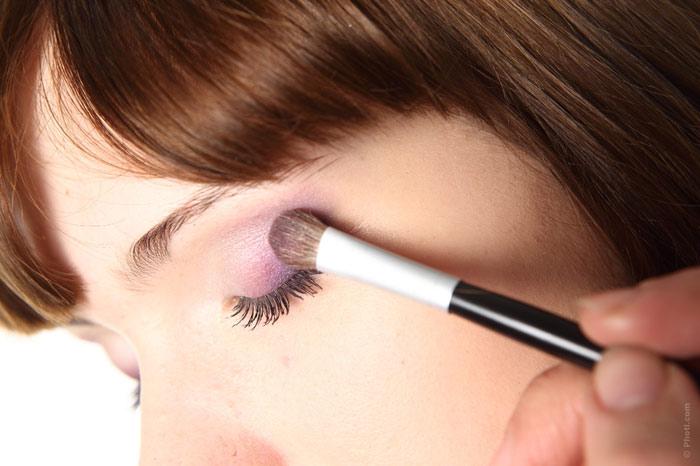700-makeup-beauty-woman