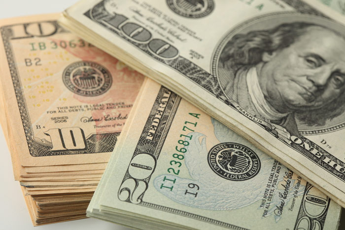 700-dollars-money-wealth