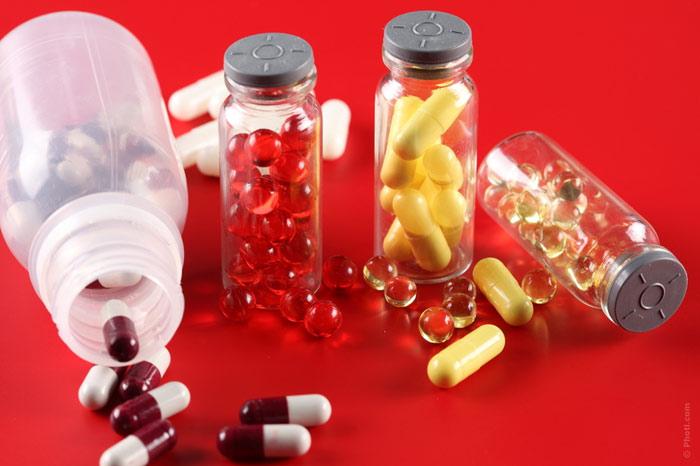 700-vitamins-ill-sick-pain-painful-medicament-medicine-drugs