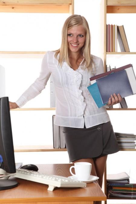 700-fashion-job-office-woman-secretary-blouse-white