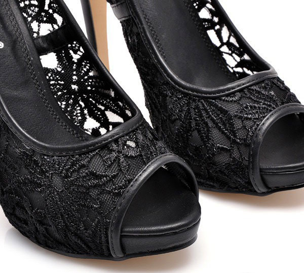 lace-shoes