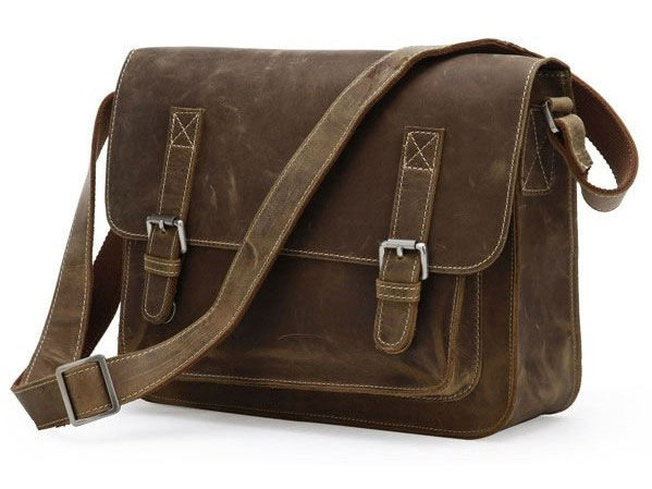 1_cross-body-casual-retro-bag-angle