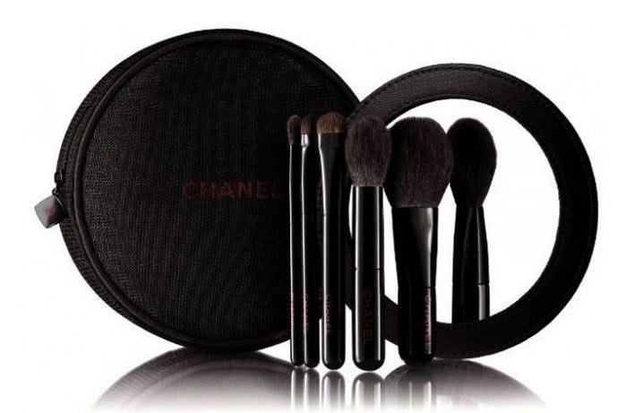 Chanel-Christmas-Holiday-2015-Rouge-Noir-Collection-Les-Mini-de-Chanel