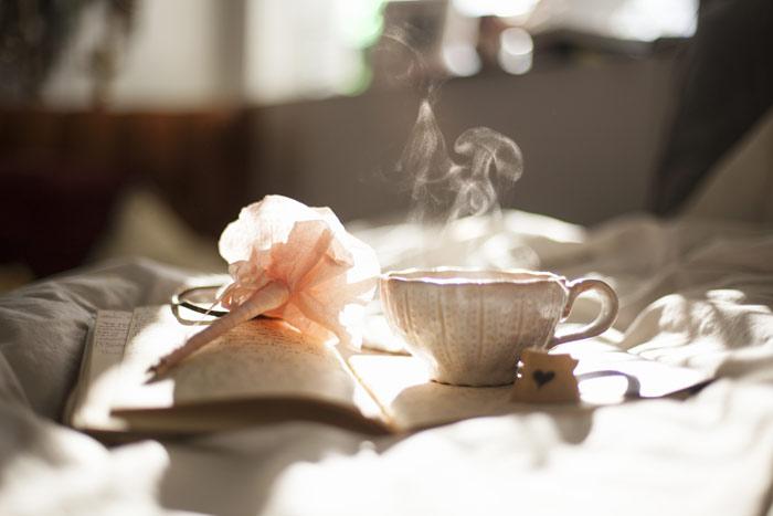 bedroom-sleep-coffee-morning-breakfst