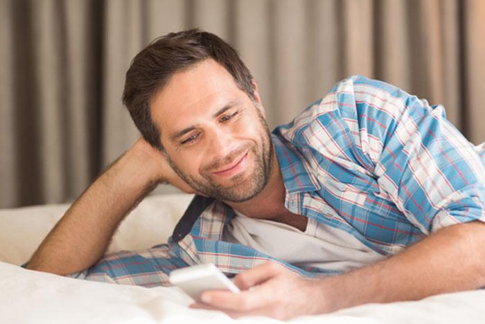 textin-guy-man-sms-message-phone