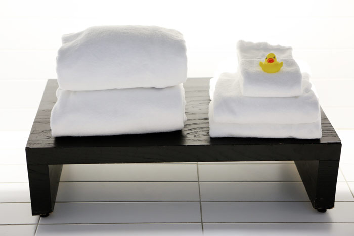 2014-11-Life-of-Pix-free-stock-photos-towel-hotel-bath-duck-leeroy-(2)