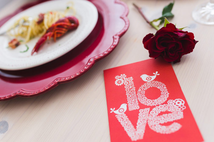 love-dating-dinner-valentines