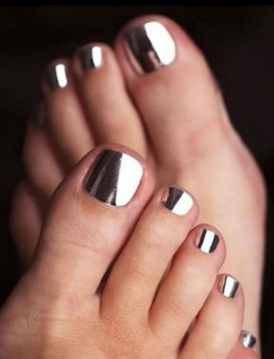 17 coolest pedicure ideas for the summer cosmetics for Vernis a ongle miroir