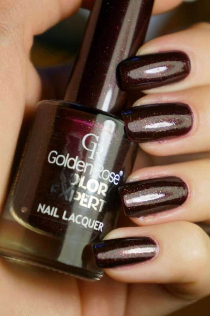 wine-colored-manicure
