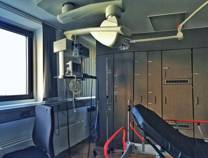 hospital-health-operation-surgery-ambulance